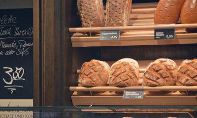Pipkanje kruha u trgovini