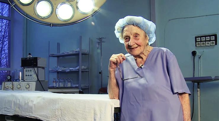 Najstariji kirurg na svijetu