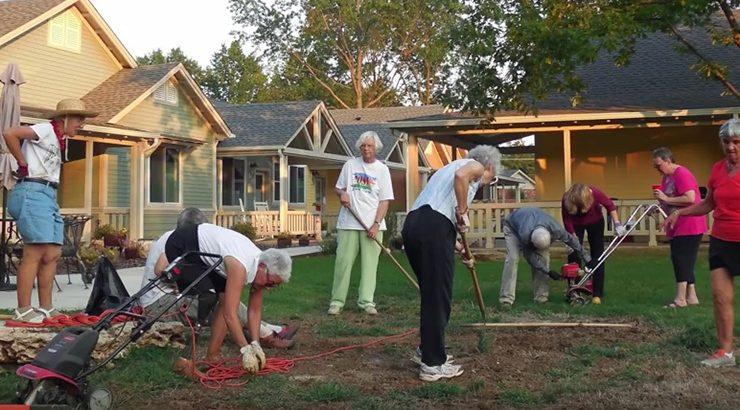 Stariji žive u zajednici